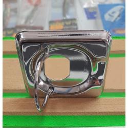 Maniglia a incasso in Acciaio Inox per portelli e paglioli.Mis 50x55mm Da completare con serratura a tavella e chiavi.